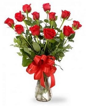 Şırnak çiçekçi mağazası  12 adet kırmızı güllerden vazo tanzimi