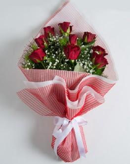 9 adet kırmızı gülden buket  Şırnak hediye çiçek yolla