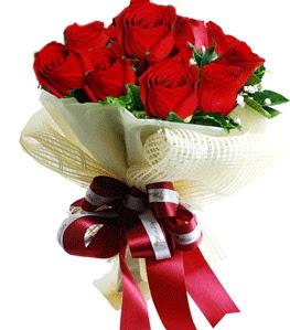 9 adet kırmızı gülden buket tanzimi  Şırnak çiçekçi telefonları