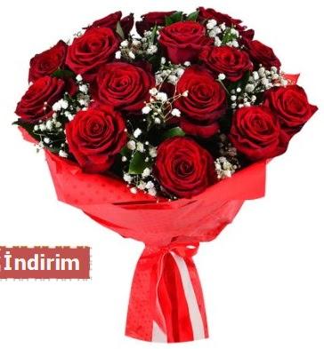 12 Adet kırmızı aşk gülleri  Şırnak hediye çiçek yolla