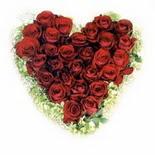 kalp biçiminde 15 gülden   Şırnak çiçek yolla , çiçek gönder , çiçekçi