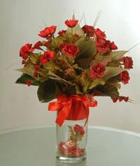 yapay güllerden vazo  9 gül  Şırnak hediye sevgilime hediye çiçek