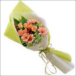 sade güllü buket demeti  Şırnak çiçekçiler