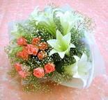 Şırnak çiçek satışı  lilyum ve 7 adet gül buket