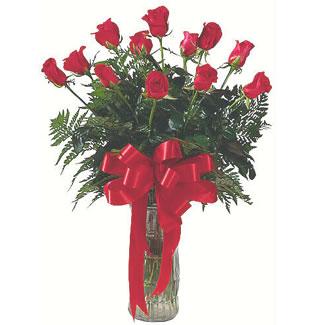 12 adet gül cam içerisinde  Şırnak anneler günü çiçek yolla