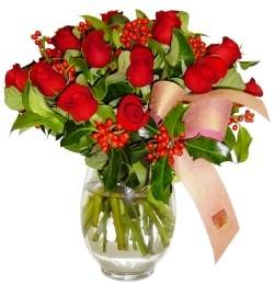 Şırnak çiçekçiler  11 adet kirmizi gül  cam aranjman halinde