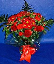 Şırnak internetten çiçek satışı  3 adet kirmizi gül ve kir çiçekleri buketi