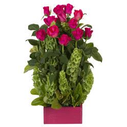 12 adet kirmizi gül aranjmani  Şırnak yurtiçi ve yurtdışı çiçek siparişi
