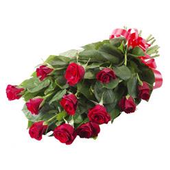11 adet kirmizi gül buketi  Şırnak İnternetten çiçek siparişi