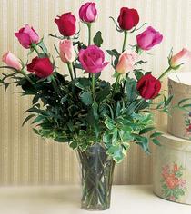 Şırnak yurtiçi ve yurtdışı çiçek siparişi  12 adet karisik renkte gül cam yada mika vazoda
