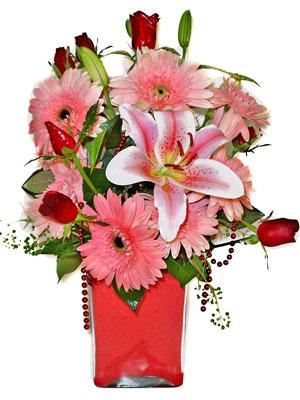 Şırnak 14 şubat sevgililer günü çiçek  karisik cam yada mika vazoda mevsim çiçekleri mevsim demeti