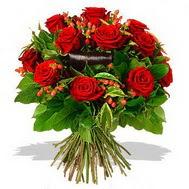 9 adet kirmizi gül ve kir çiçekleri  Şırnak çiçek siparişi vermek