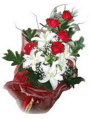 Şırnak online çiçekçi , çiçek siparişi  5 adet kirmizi gül 1 adet kazablanka çiçegi buketi