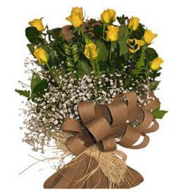 Şırnak çiçek satışı  9 adet sari gül buketi