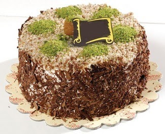 pasta gönderme 4 ile 6 kisilik çikolatali yas pasta  Şırnak hediye çiçek yolla