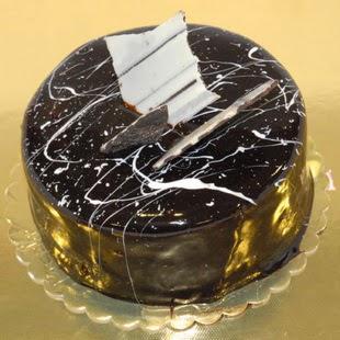 pasta gönder 4 ile 6 kisilik parça çikolatali yaspasta  Şırnak cicek , cicekci