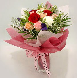 Karisik renklerde 11 adet gül buketi  Şırnak çiçek , çiçekçi , çiçekçilik