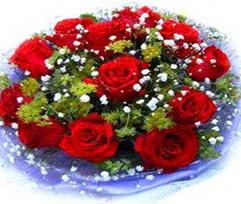 9 adet kirmizi güllerden buket  Şırnak ucuz çiçek gönder