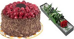 1 adet yas pasta ve 1 adet kutu gül  Şırnak hediye sevgilime hediye çiçek