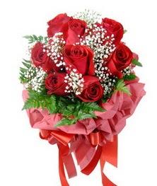 9 adet en kaliteli gülden kirmizi buket  Şırnak güvenli kaliteli hızlı çiçek