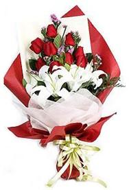 Şırnak internetten çiçek satışı  9 adet gül 2 adet kazablanka buketi