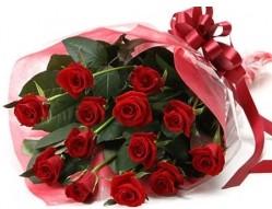 Şırnak çiçek servisi , çiçekçi adresleri  10 adet kipkirmizi güllerden buket tanzimi