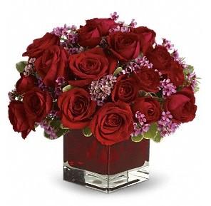 11 adet kırmızı gül vazosu  Şırnak online çiçek gönderme sipariş