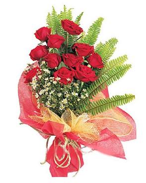 Şırnak çiçek gönderme  11 adet kırmızı güllerden buket modeli