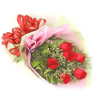 Şırnak çiçekçi mağazası  6 adet kırmızı gülden buket