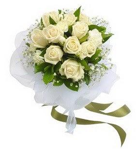 Şırnak çiçek gönderme sitemiz güvenlidir  11 adet benbeyaz güllerden buket