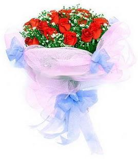 Şırnak internetten çiçek siparişi  11 adet kırmızı güllerden buket modeli