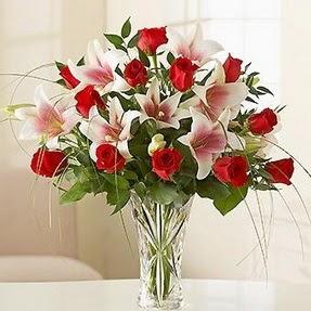Şırnak yurtiçi ve yurtdışı çiçek siparişi  12 adet kırmızı gül 1 dal kazablanka çiçeği