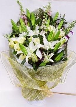 Şırnak güvenli kaliteli hızlı çiçek  3 adet kazablankalardan görsel buket çiçeği