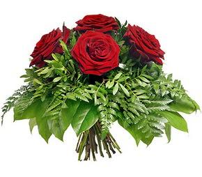Şırnak yurtiçi ve yurtdışı çiçek siparişi  5 adet kırmızı gülden buket