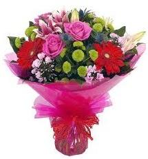 Karışık mevsim çiçekleri demeti  Şırnak uluslararası çiçek gönderme