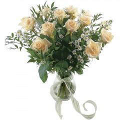 Vazoda 8 adet beyaz gül  Şırnak çiçek online çiçek siparişi