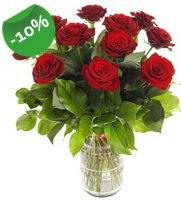 11 adet vazo içerisinde kırmızı gül  Şırnak uluslararası çiçek gönderme