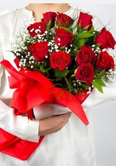Aşk Gülleri 11 Adet kırmızı gül buketi  Şırnak ucuz çiçek gönder