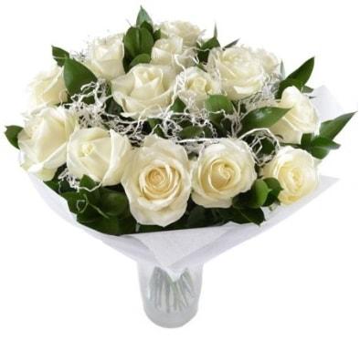 15 beyaz gül buketi sade aşk  Şırnak hediye çiçek yolla